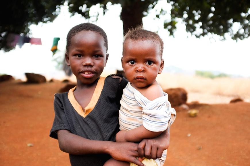 El futuro de Swazilandia son sus hijos, sin embargo, muchos de ellos han sufrido la pérdida de sus padres a causa del SIDA. (Foto © Adam Garff / Sociedad Bíblica Danesa)