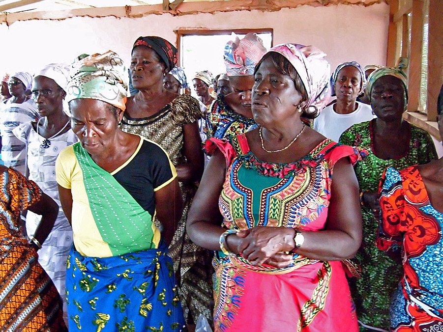 A group of widows in Accra, Ghana, approached the Bible Society there about GSP training.