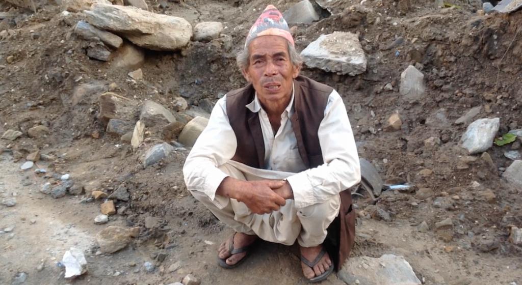 """""""Si tú tienes fe en Dios, Él hará grandes cosas por ti""""., dijo Padam Bahadur Bhujel, quien fue rescatado de los escombros de la iglesia donde estaba congregado."""