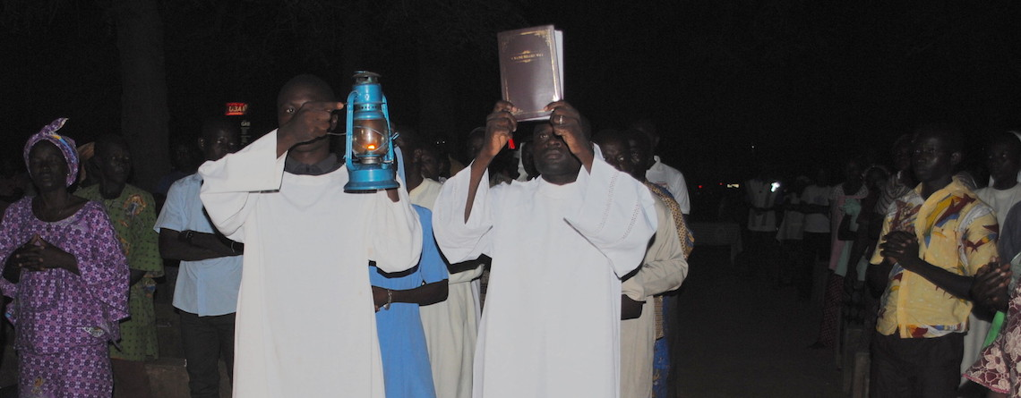Joyful welcome for first Catholic edition of the Gulmancema Bible in Burkina Faso